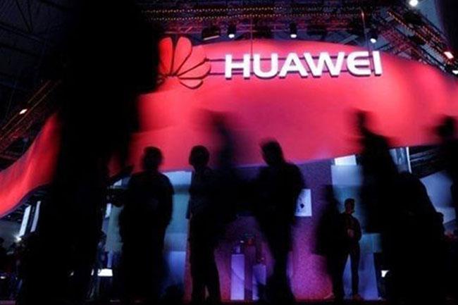Huawei, Geçiş Dönemi İçin Aurora Üzerinde Çalışıyor!