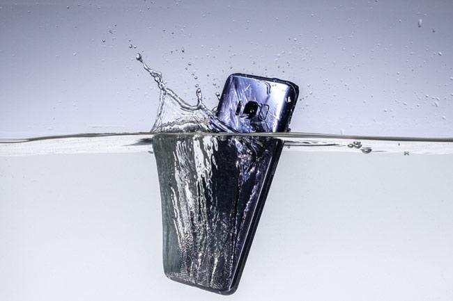 Telefonunuz Suya Dayanıklı Mı?
